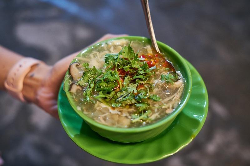 quán ăn vỉa hè Sài Gòn